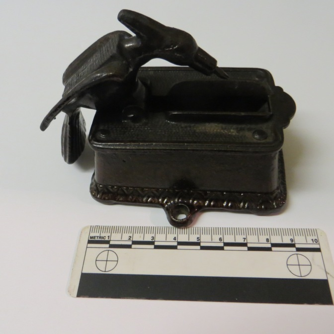 T1434 Match dispenser